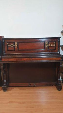 Piano Vertical - K. Bord Paris
