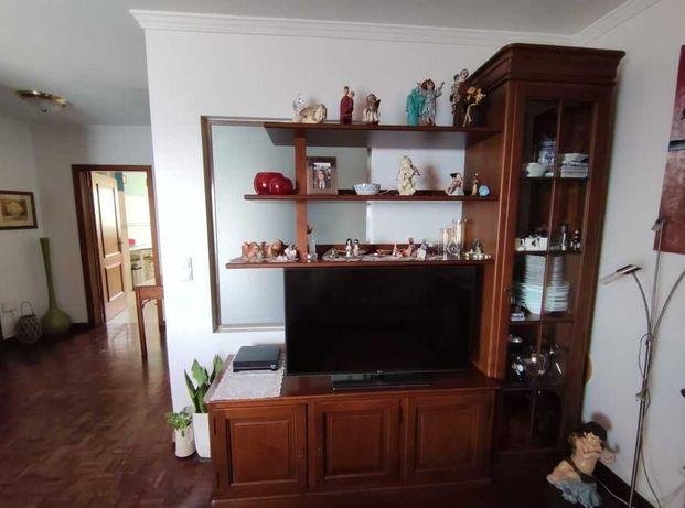 Móvel de sala de estar - TV - Estilo Luís Filipe