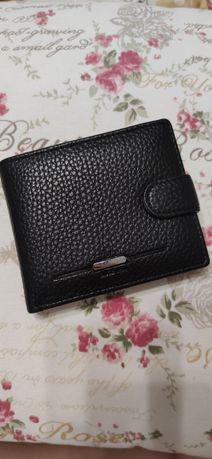 Новый кошелёк в коробке