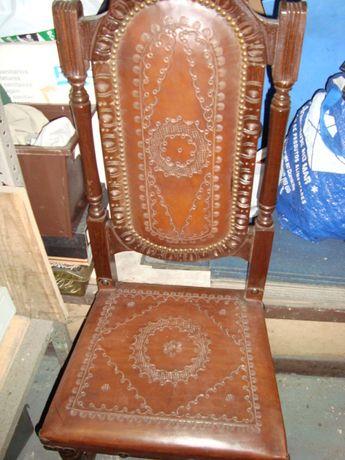 cadeira de sala em pele