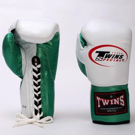 Боксерские перчатки кожаные на шнуровке TWIN BO-0279-M