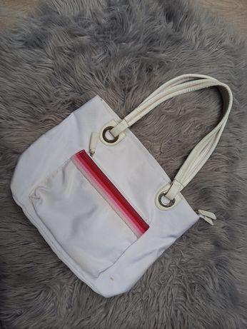 Biała torba torebka na ramię do ręki z elementem różowym czerwonym