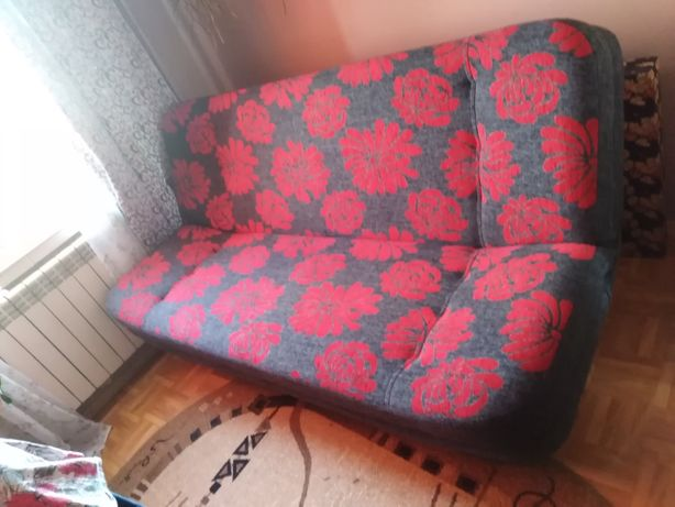 Sofa szaro czerwona