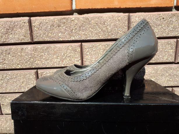 Туфлі сірі лакові невеличкий каблучок 36 розмір