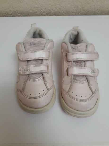 Продам кроссовки Nike 27 (оригинал)
