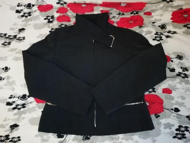 Весняна курточка жіноча