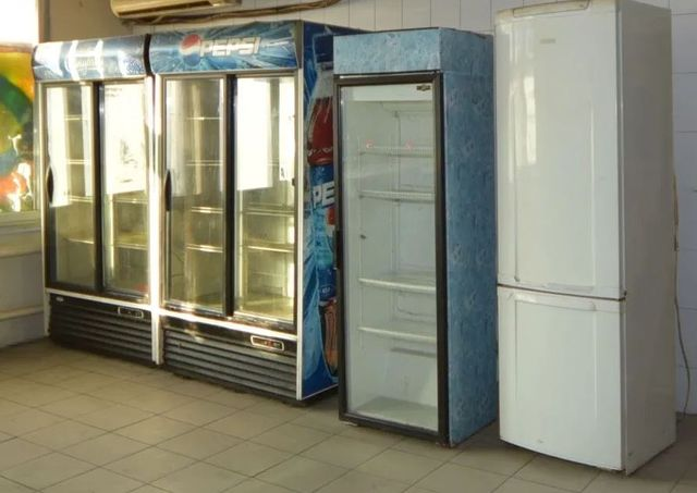 Продам холодильники (холодильник витрина, для напитков)
