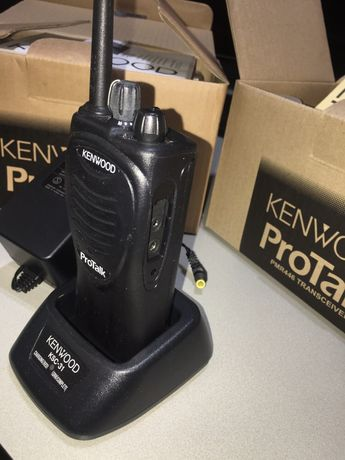 Conjunto rádios emissores para radioamadores ou profissionais