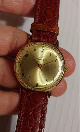 """Состояние!!Тонкие часы """"Луч"""" в золочёном корпусе Au-12,5 механика ссср"""
