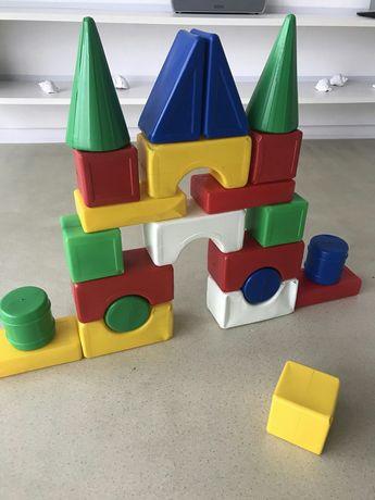 Большие кубики. Конструктор блочный.