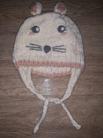 Теплая шапочка Zara на завязках с подкладкой на девочку 1-1,5 года