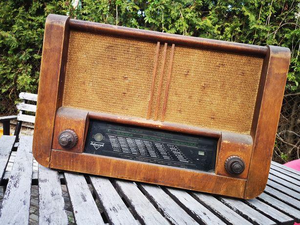 Stare duże radio ze strychu