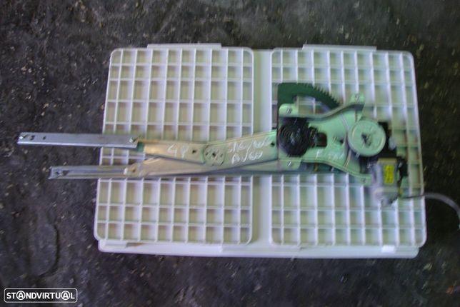 Elevador Fte Dta Chevrolet Aveo de 4 portas