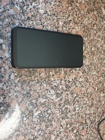 Vendo Samsung A50 128GB com 3 capas + película de vidro