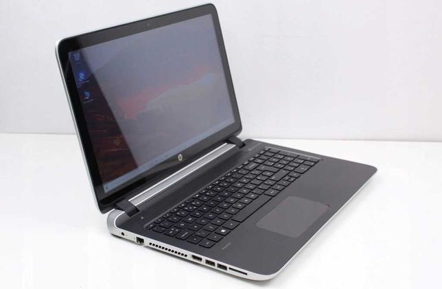 Laptop HP Pavilion 15.6'' Full HD AMD A10/240GB SSD/8GB RAM/Radeon