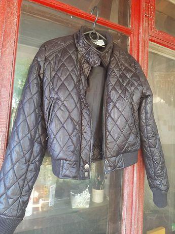 Курточка короткая чёрная