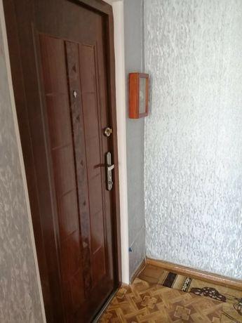 Продаю 2  комнатную квартиру на массиве