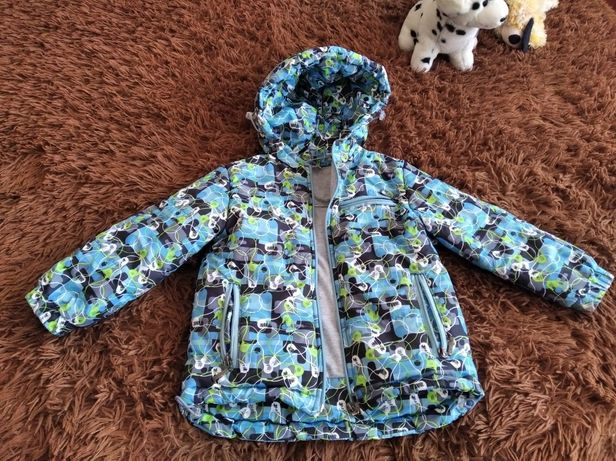 Весняна куртка на хлопчика 104р