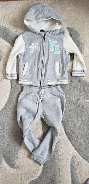 Крутой спорт костюм Kiabi 98рост