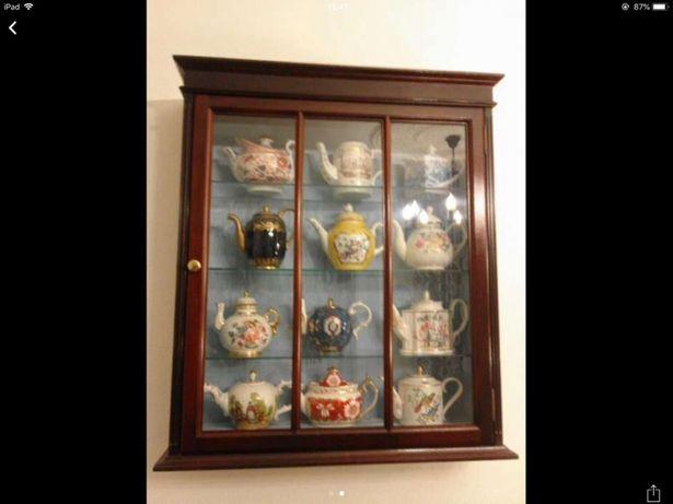 12 Bules de Porcelana das Coleções PHILAE( inclui móvel)
