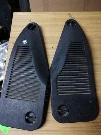 Zaślepki osłony bagażnika gaśnicy i apteczki Opel Zafira A