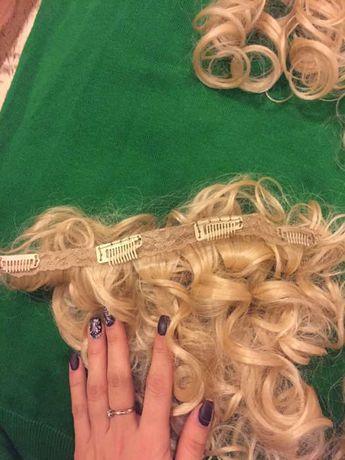 искусственные тресы блонд кучерявые