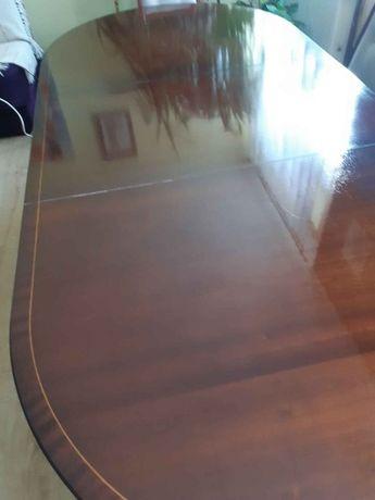 Stół salonowy sprowadzony z Anglii