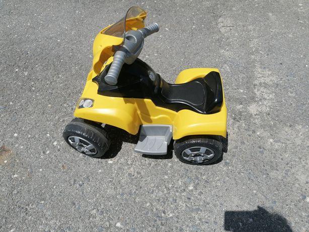Moto 4 elétrica de criança
