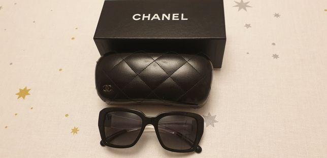 Okulary przeciwsłoneczne Chanel.