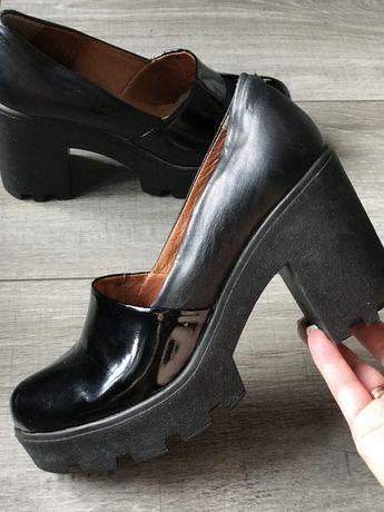Туфли черные 37 размер