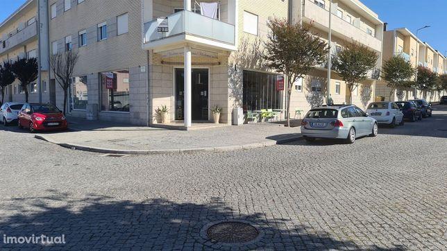 Loja  a funcionar e equipada nas Caxias, Vila do Conde