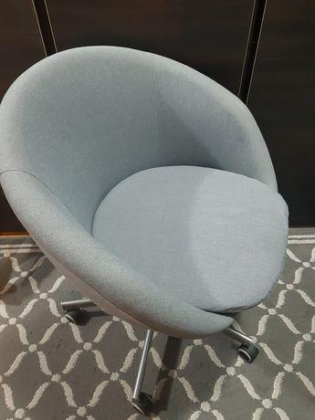 Krzesło obrotowe Ikea.