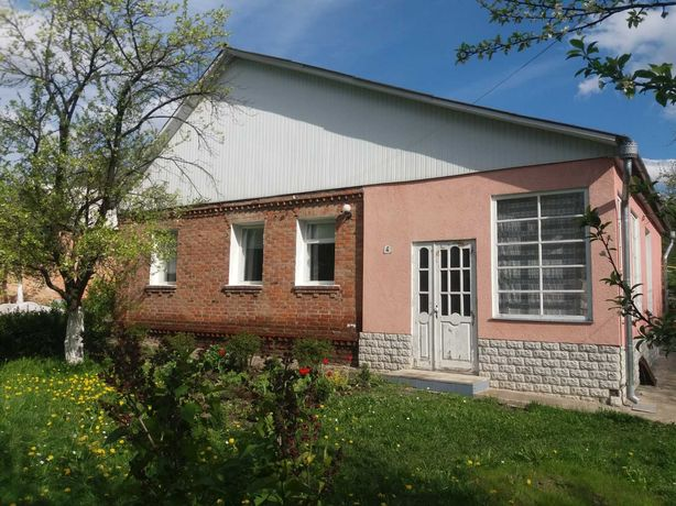 Продам дом,в центре ,г.Ромны