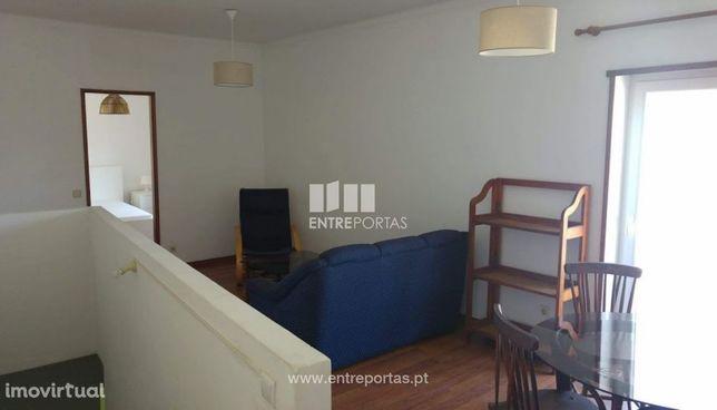 Venda de moradia com apartamento T3, Meadela, Viana do Castelo