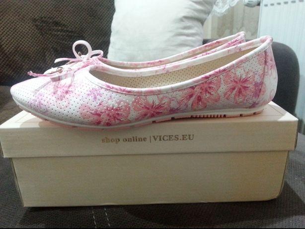 Balerinki biało - różowe