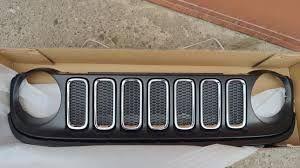 Решетка радиатора черная в сборе renegade 2017