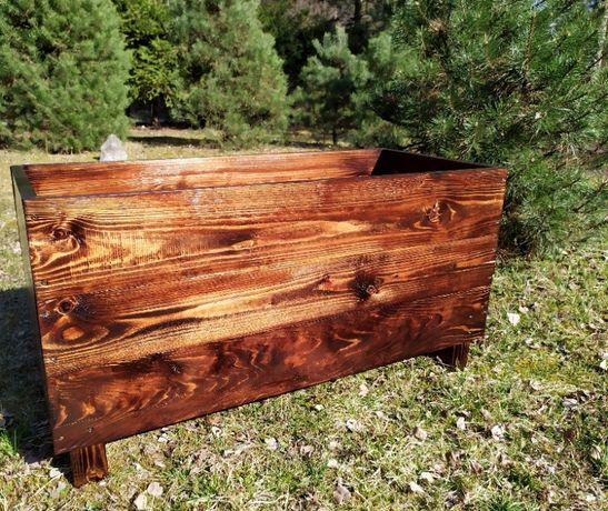 Donica doniczka ogrodowa naturalne piękno drewna, podkreślone słoje