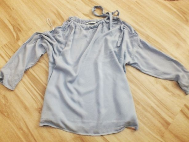 Diverse błękitna pastelowa bluzka nagie ramiona zwiewna S/M
