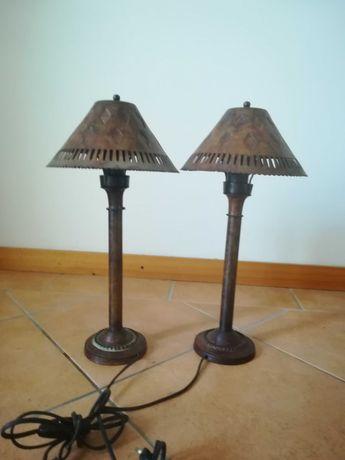 2 candeeiros em latão