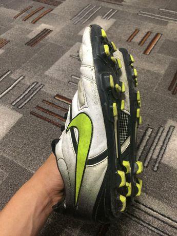 Оригінальні буци Nike в хорошому стані. Продаю бо вже малі.кого цікави