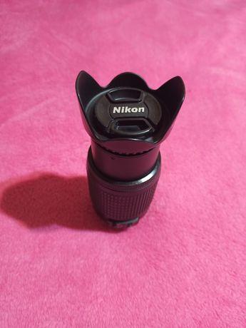 Об'єктив Nikon 55-200