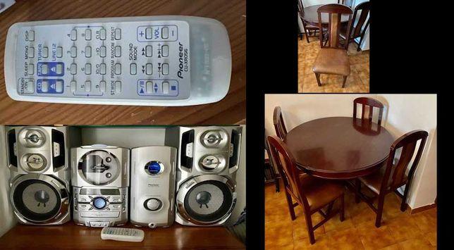 Mesa extensível sala de jantar 4 cadeiras + Aparelhagem PIONEER