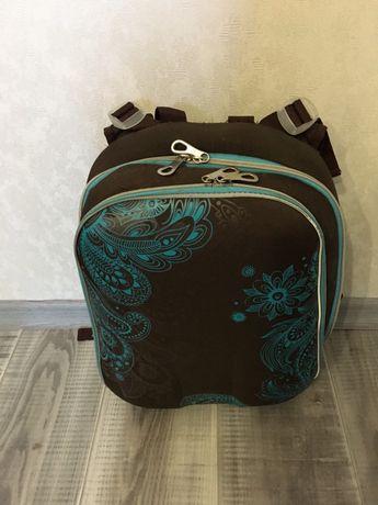 Рюкзак шкільний.