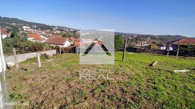 Quintinha com 1050 m2 terreno Recarei ( Paredes)