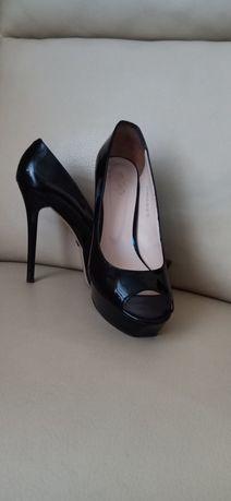 Лаковые туфли Calipso с открытым носком