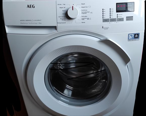 Máquina de lavar roupa AEG 8 kg 1200 rt