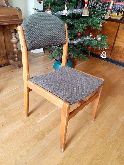 Stare krzesła tapicerowane z czasow PRL - 4 sztuki w komplecie Warszawa - image 1