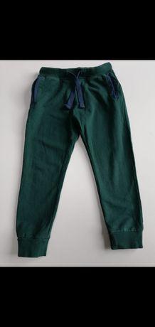 Spodnie dresy 128cm 5 10 15
