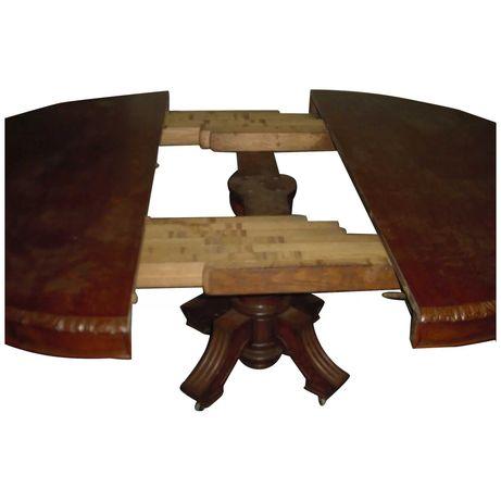 Conj. Mesa e seis cadeiras Louis XIII Séc. XIX/carvalho francês maçiço