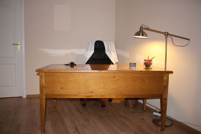 Drewniane biurko do gabinetu, kancelarii